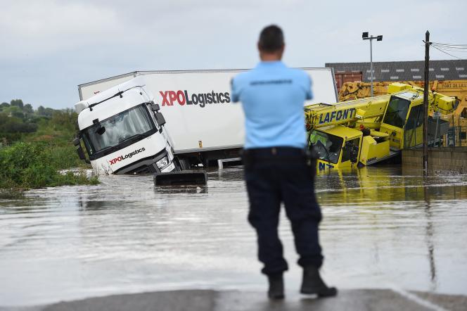 Sur une route inondée à Codognan, dans le Gard, le 14septembre2021.