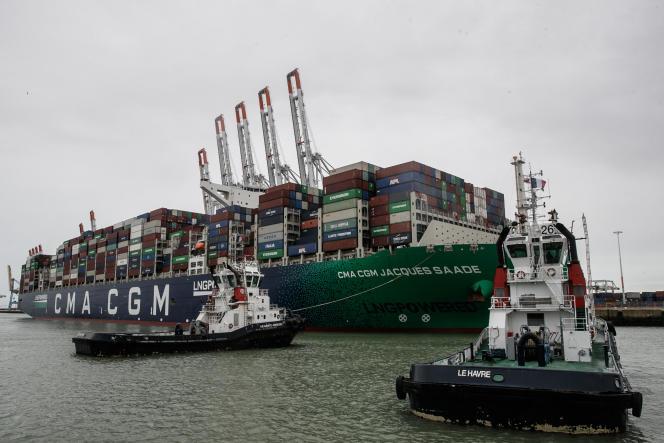 Le porte-conteneurs «Jacques-Saadé» de CMA-CGM débarque dans le port du Havre, dans le nord-ouest de la France, le 21 janvier 2021.