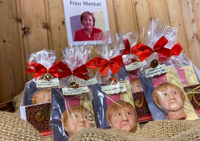Des biscuits à l'effigie d'Angela Merkel ont été fabriqués par un confiseur allemand, à la veille des élections, à Weilbach (Allemagne), le 14 septembre 2021.