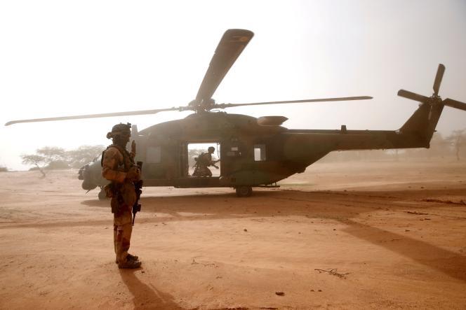 Des soldats de l'opération «Barkhane», à Ndaki, dans l'est du Mali, en juillet 2019.