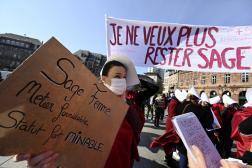 Lors d'une manifestation de sages-femmes, à Strasbourg (Bas-Rhin), le 8 mars 2021.