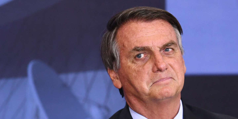 Jair Bolsonaro, putschiste du dimanche ou menace contre la démocratie brésilienne ?