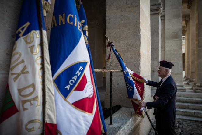 Un vétéranlors de la journée d'hommage aux harkis, dans la cour des Invalides à Paris, le 25 septembre 2018.