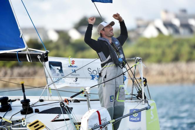 Pierre Quiroga à l'arrivée de la troisième manche, dans la baie de Morlaix, le 8 septembre.