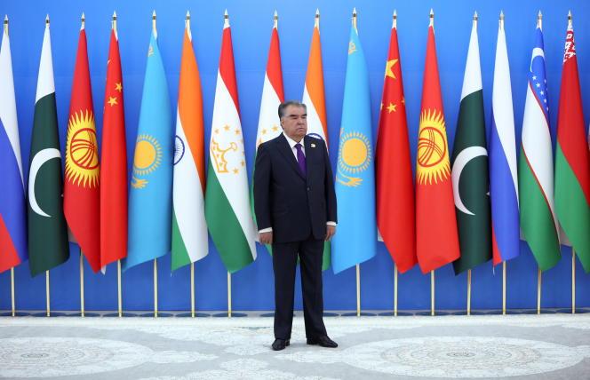 Le président tadjik Emomali Rahmon assiste au sommet de l'Organisation de coopération de Shanghai (OCS) à Douchanbé, au Tadjikistan, le 17 septembre 2021.