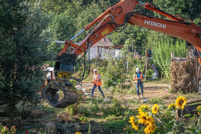 Destruction of the Aubervilliers gardens facilities, September 2, 2021.