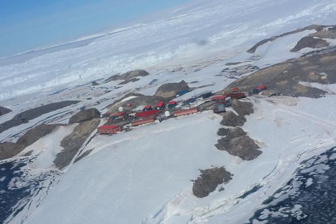 La base scientifique Dumont d'Urville en Antarctique.
