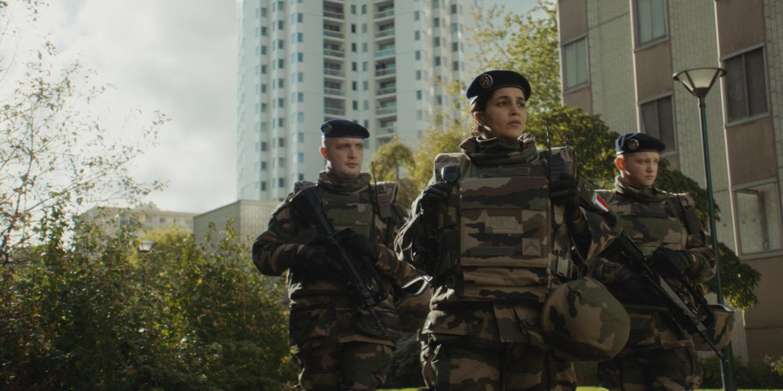 « La Troisième Guerre » : la France au bord de l'implosion filmée par Giovanni Aloi