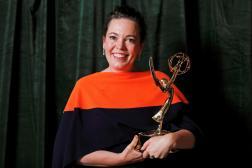 Olivia Colman reçoit l'Emmy de la meilleure actrice pour la série«The Crown » lors de la cérémonie des Emmy Awards, le 19 septembre 2021.