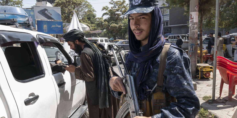 Ces Afghans qui effacent leurs traces numériques par crainte des talibans - Le Monde