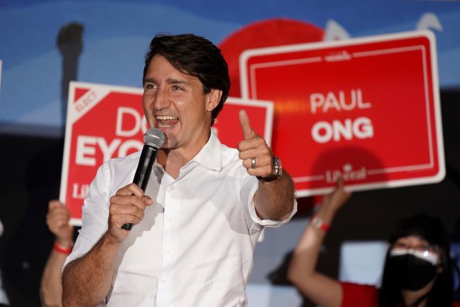 Le premier ministre canadien, Justin Trudeau, en campagne à la veille des législatives, à Winnipeg (Manitoba), le 19 septembre.