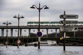 Canicules, inondations: Paris de plus en plus menacé par le changement climatique
