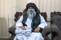 Bachir Ahmad Rustamzaï, le nouveau responsable des sports au sein du gouvernement taliban dans son bureau, à Kaboul, le 18 septembre.