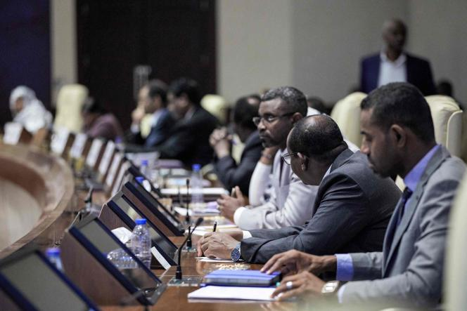 Réunion du gouvernement de transition soudanais à Khartoum, après une tentative de putsch manquée, le 21 septembre 2021.
