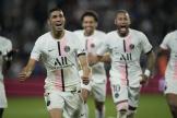 Le latéral du PSG Achraf Hakimi (à gauche) a réalisé un doublé face à Metz, qui jouait àdomicile, mercredi 22 septembre 2021.