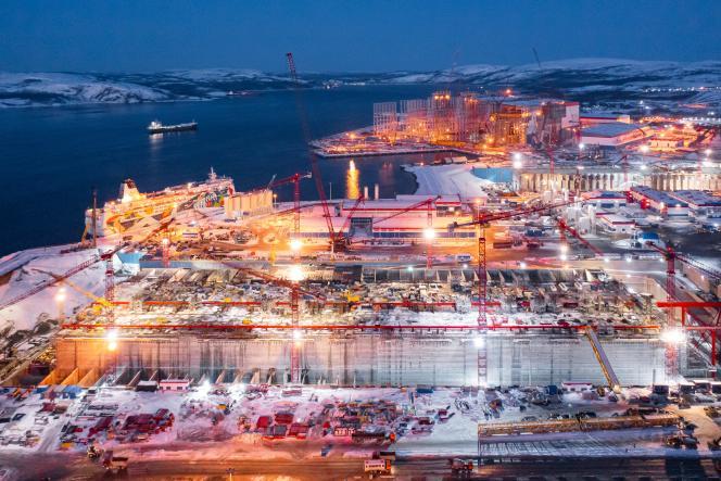 Le site en construction LNG dans le village de Belokamenka, dans la région de Mourmansk, en Russie, le 27 mars 2021.