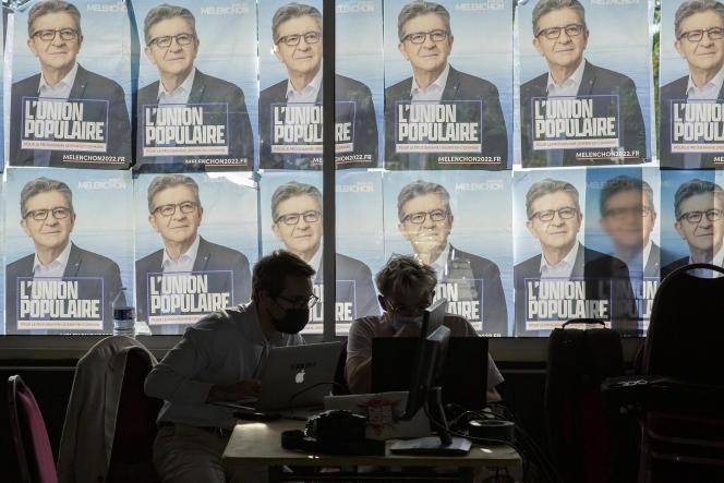 Lors d'un point presse de Jean-Luc Mélenchon, à Châteauneuf-sur-Isère (Drôme), le 29août 2021.