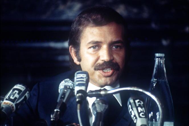 Abdelaziz Bouteflika, alors ministre algérien des affaires étrangères, le 11 juillet 1973, à Paris.