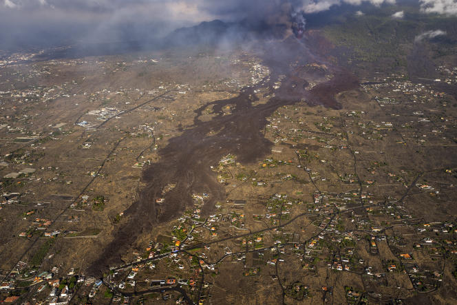 A lava flow stretches away from the Cumbre Vieja volcano, on the island of La Palma in the Canary Islands, on September 23, 2021.