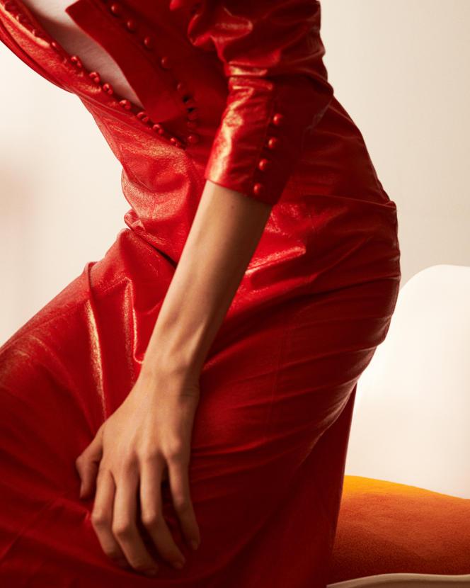 Robe Genazuli, en polyester, Isabel Marant, 920€. Caraco en coton, Armor Lux, 28,40€.