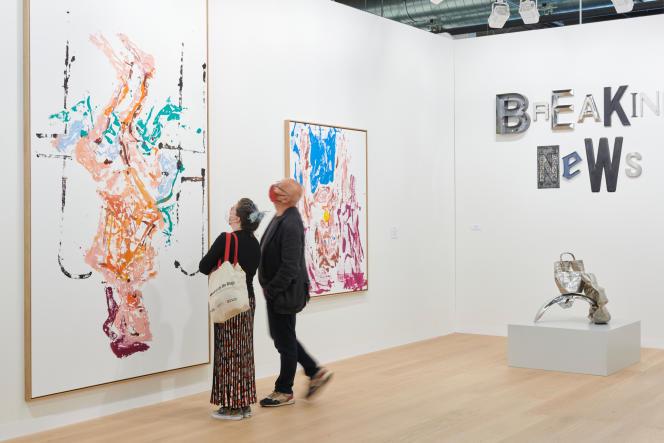 Les artistes Georg Baselitz, Jack Pierson et Tony Cragg représentés par la galerie Thaddaeus Ropac à la foire d'art moderne et contemporain de Bâle (Suisse), en septembre 2021.