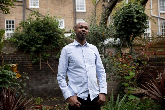 Le réalisateur kényan Peter Murimi, à Londres, en octobre 2020.