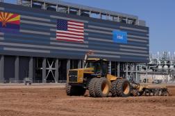 Le chantier de l'usine de semi-conducteurs que fait construire Intel à Chandler, en Arizona, le 23 septembre 2021.