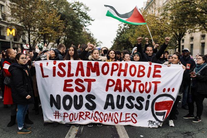 Manifestation contre l'islamophobie à Paris le 10 novembre 2019, organisée à l'appel du Collectif contre l'islamophobie en France.