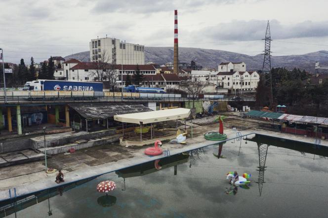 Vélès, petite ville de Macédoine, s'est fait connaître en 2016 en devenant un centre de production de fausses informations, ces «vérités alternatives» qui ont pesé sur l'élection de Donald Trump.