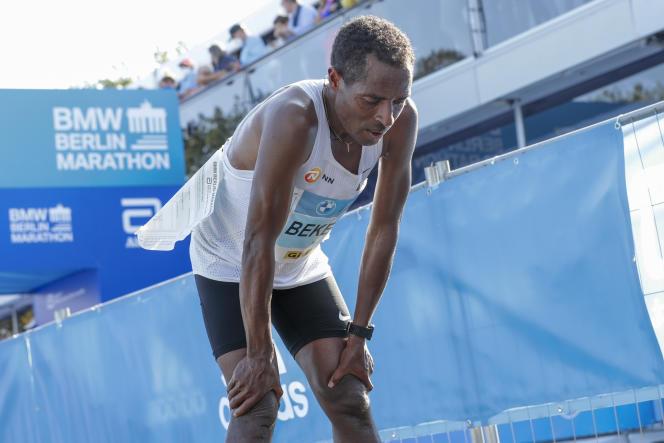 Kenenisa Bekele à l'issue du marathon de Berlin, le 26 septembre 2021.