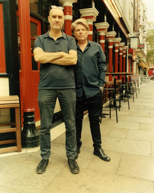 Neal Purvis et Robert Wade, à Londres, le 13 septembre 2021.