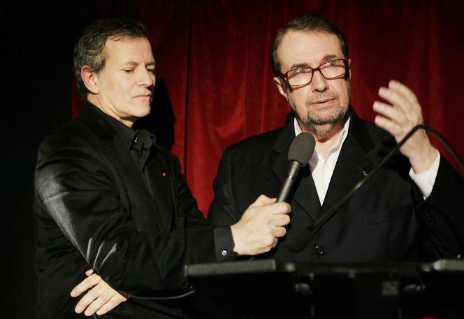 François Florent prononçant un discours à l'occasion du 40e anniversaire de l'école, le 8 janvier 2007. A sa gauche se trouve l'acteur Francis Haster.