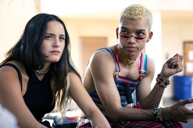 Riley (Chase Sui Wonders) etChester (Justice Smith) dans«Genera+ion», série créée par Daniel et Zelda Barnz.