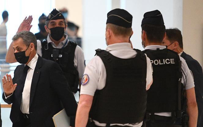 Nicolas Sarkozy a été reconnu coupable, jeudi 30 septembre, de «financement illégal de campagne électorale» lors du deuxième procès de l'affaire Bygmalion. Ici, au tribunal, en juin 2021.