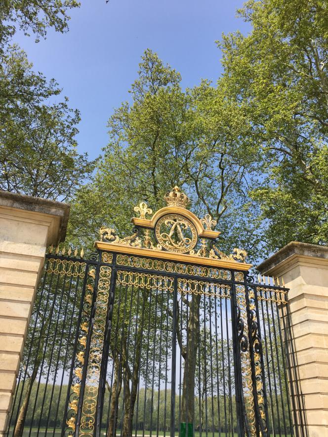 Vue de la grille royale du Potager du roi, à Versailles.