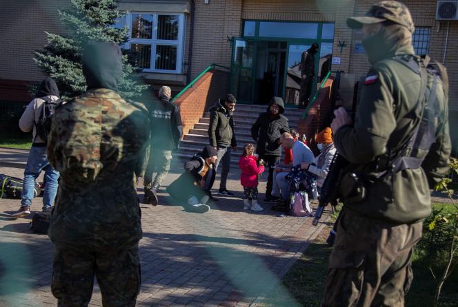 Grupa imigrantów została aresztowana 27 września 2021 r. w Michello (Polska) po przekroczeniu granicy polsko-białoruskiej.
