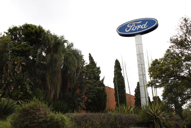 Ford has also revised upwards its electric fleet targets, since it now expects 40% to 50% of its global sales volume to be fully electric by 2030.
