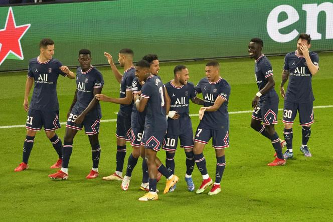 Les joueurs du PSG après le but de Lionel Messi contre Manchester City.