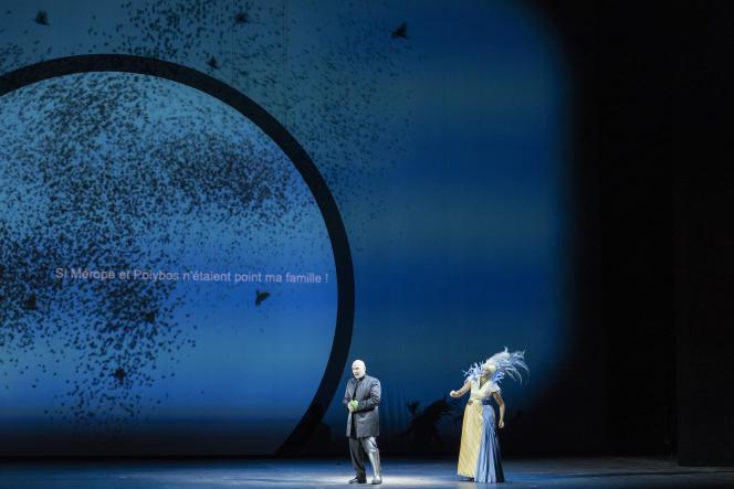Œdipe (Christopher Maltman) et Mérope (Anne Sofie von Otter) dans «Œdipe», de Georges Enesco, mis en scène par Wajdi Mouawad, à l'Opéra Bastille, à Paris, le 17 septembre 2021.