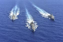 Trois navires de la marine grecque lors d'un exercice dans la Méditerranée, le 26 août 2020.