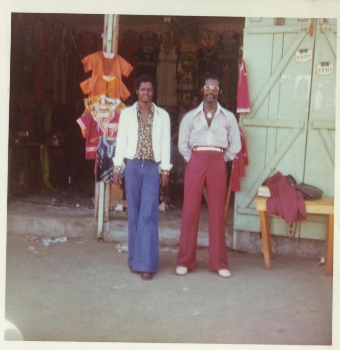 Dapper Dan (à droite) et l'homme qui est devenu son premirertailleur, à Monrovia, en 1973.
