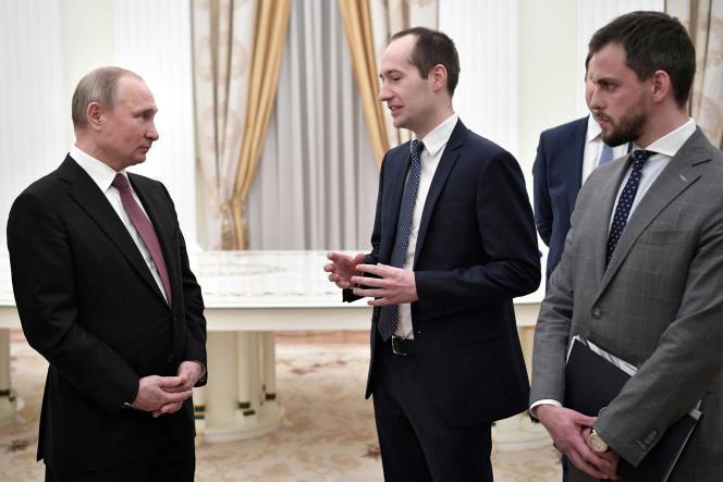 Ilia Satchkov (tout à droite), lors d'une rencontre avec le président de la Fédération de Russie, Vladimir Poutine, le 6 février 2019, lors de la remise du prix Nemaly Business, qui récompense les entreprises innovantes russes.