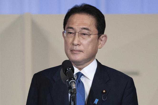 L'ancien ministre japonais des affaires étrangères, Fumio Kishida, s'exprime après avoir été annoncé vainqueur de l'élection à la direction du Parti-libéral démocrate, à Tokyo, mercredi 29 septembre 2021.