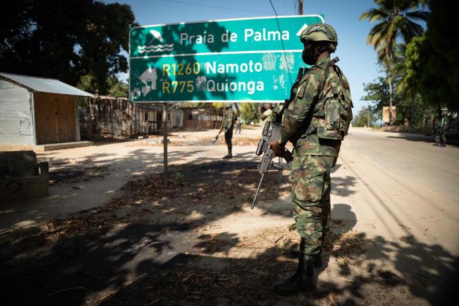 Un soldat rwandais à Palma, dans le nord du Mozambique, le 22septembre 2021.