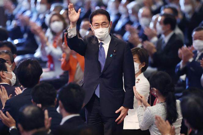 Fumio Kishita congratulates his party's activists and staff after being elected leader of the Liberal Democratic Party in Tokyo on September 29, 2021.
