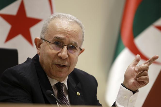 Le ministre des affaires étrangères algérien, Ramtane Lamamra, lors d'une déclaration officielle, le 24 août 2021.
