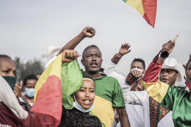 Ethiopians show their support for the army, at war against the Tigrayan rebels, in Addis Ababa, September 6, 2021.