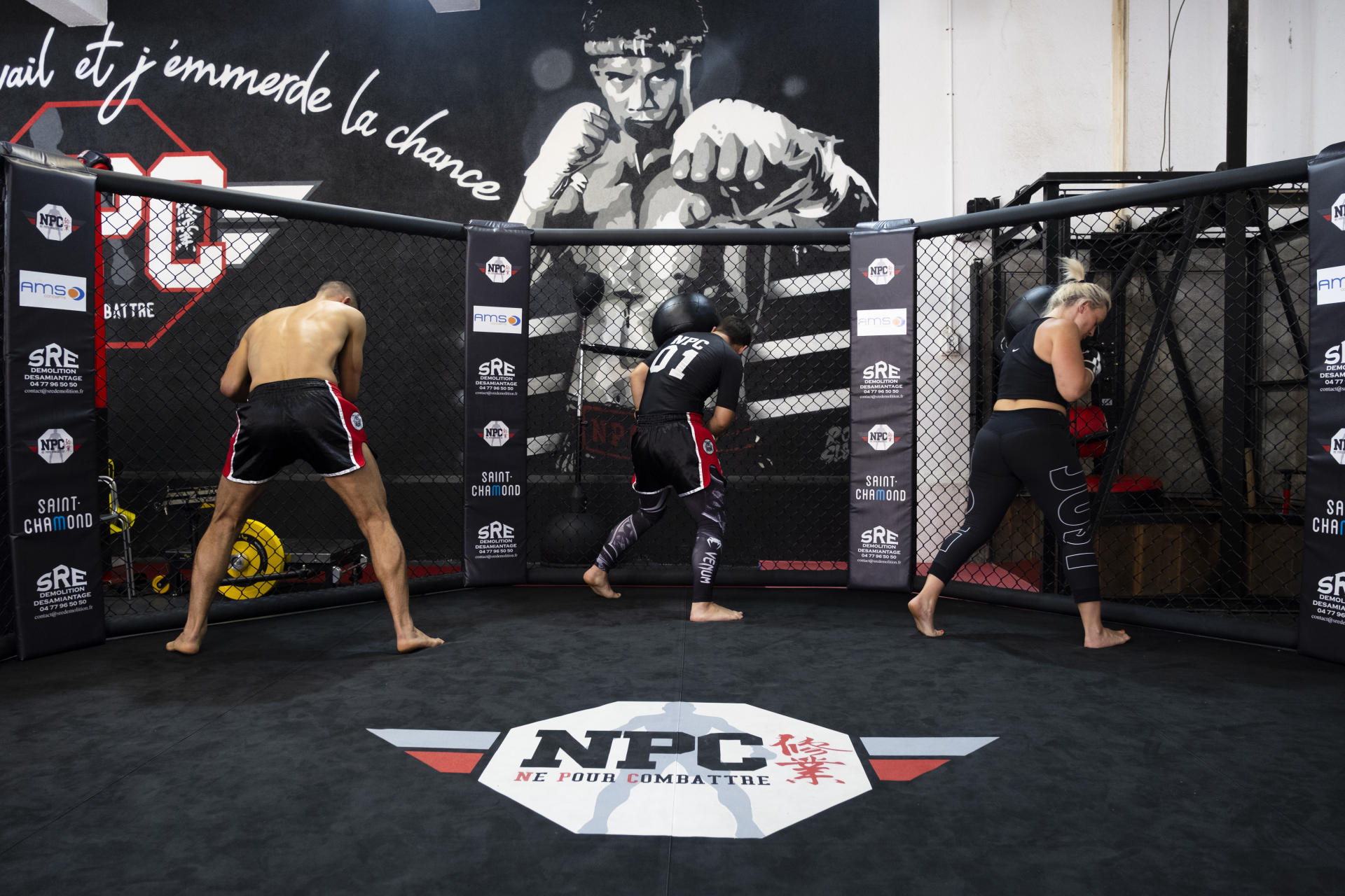 MMA comes out of its cage in Saint-Chamond
