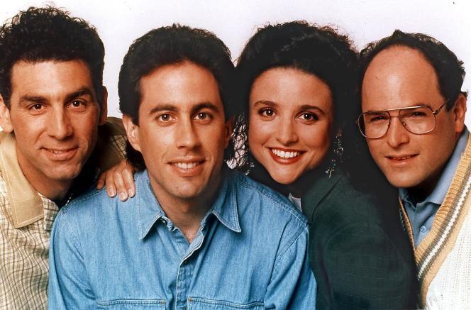 De gauche à droite : Michael Richards, Jerry Seinfeld, Julia Louis-Dreyfus et Jason Alexander, dans
