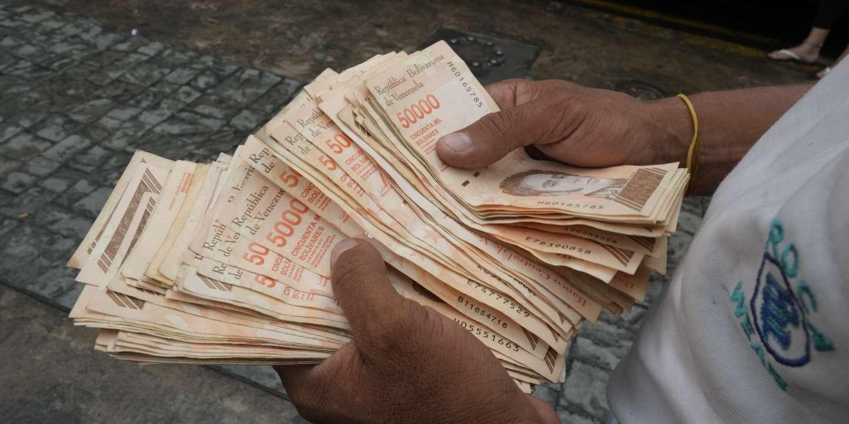 Au Vénézuela, miné par l'hyperinflation, la monnaie nationale perd six zéros d'un coup